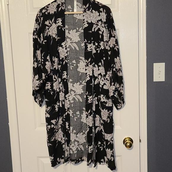 Kimono with pockets